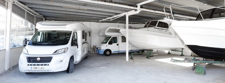 Venta de barcos y motores para embarcaciones, reparaciones in situ y taller propio en Orio